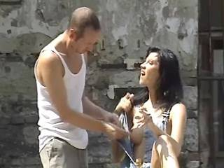 Cheeky bloke sucked by cockloving brunette outdoor